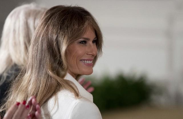 La première dame américaine Melania Trump... (AP, Andrew Harnik)