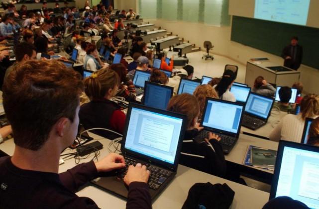 Salle de cours à l'Université Laval pour Portfolio...