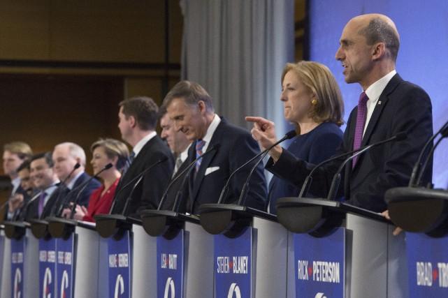 La moitié du débat final du 26 avril... (Photo Jacques Boissinot, archives La Presse canadienne)