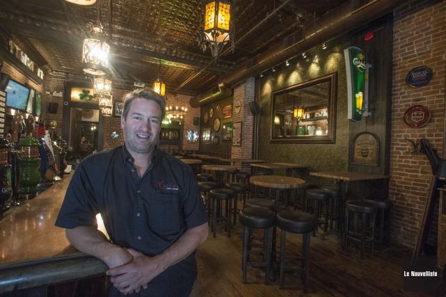 Les propriétaires du pub irlandais Le Trèfle, dont... (Stéphane Lessard, Le Nouvelliste)