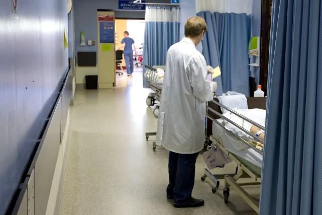 Depuis l'automne, le ministre de la Santé, Gaétan... (Photo Alain Roberge, archives La Presse)