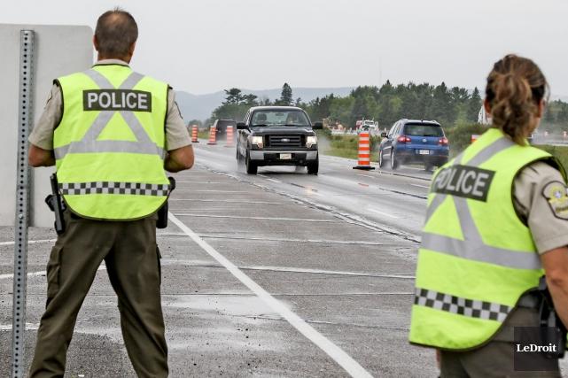 Les policiers de la Sûreté du Québec ont... (archives Le Droit)