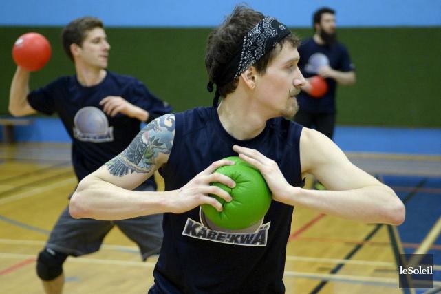 Les joueurs de dodgeball de Québec s'entraînent en... (Le Soleil, Yan Doublet)
