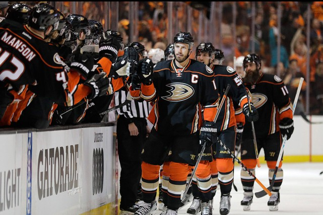 Ryan Getzlaf a ouvert la marque dès la... (Photo Jae C. Hong, ASSOCIATED PRESS)