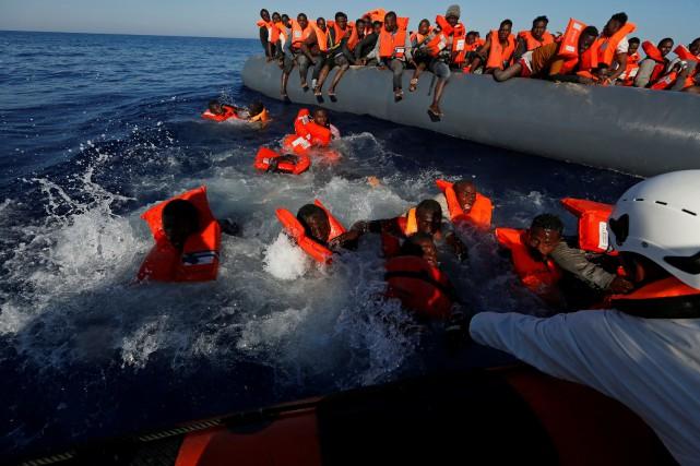L'association Médecins sans frontières (MSF) a notamment pu... (PHOTO Darrin Zammit Lupi, REUTERS)