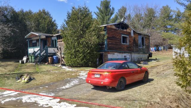 Un incendie a causé d'importants dommages à une résidence de la rue Maclure, à... (Spectre Média, Maxime Picard)