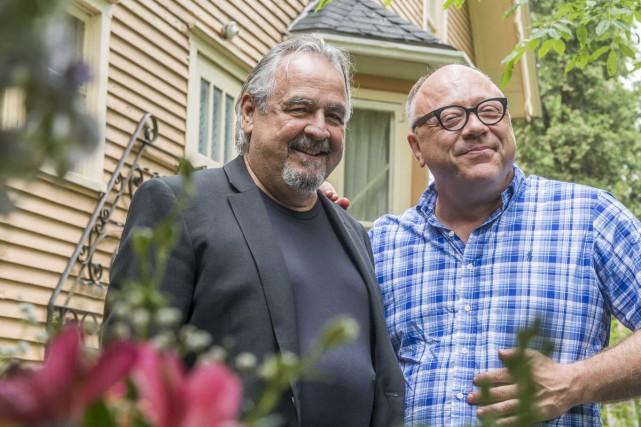 Les comédiens Raymond Bouchard et Jean-Bernard Hébert... (Frédéric Côté, Spectre Média)
