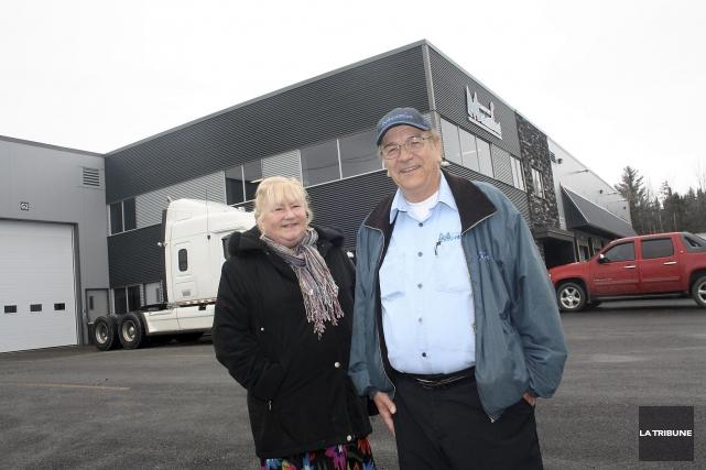 Rolande Charron et Robert Vincent dirigent l'entreprise Transport... (La Tribune, Jean-François Gagnon)