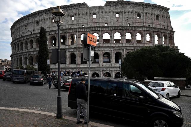 Un conflit oppose en Italie, mais aussi dans... (AFP, FILIPPO MONTEFORTE)