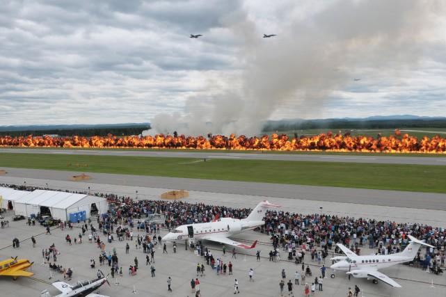 Le mur de feu du Spectacle aérien de... (Photothèque Le Soleil)