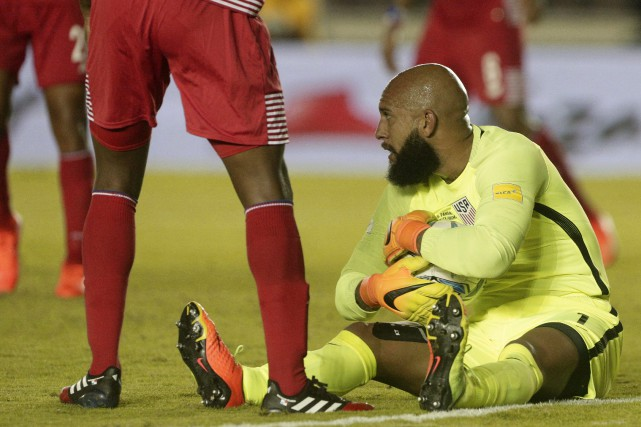 Tim Howard... (Photo Arnulfo Franco, AP)