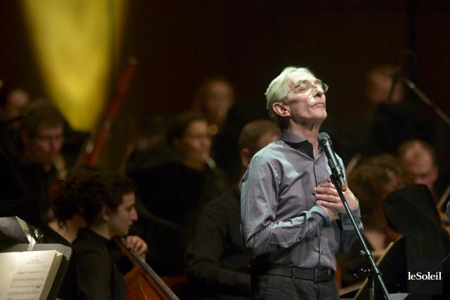 Richard Desjardins lors de son spectacleavec l'OSQ en... (Photothèque Le Soleil, Yan Doublet)