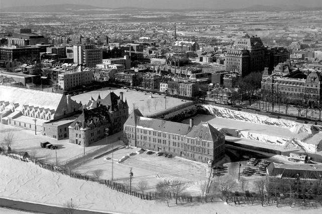 C'était la colline Parlementaire avant le Complexe G et le «Bunker». (Photo Collection Jocelyn Paquet, les Archives du photographe)