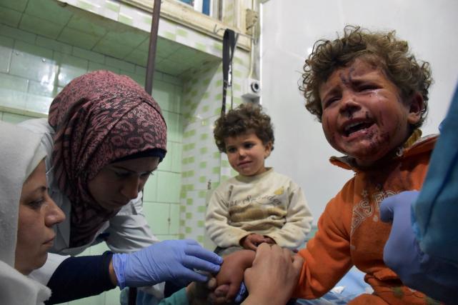 Le processus d'évacuation de milliers de personnes de... (AFP, George OURFALIAN)