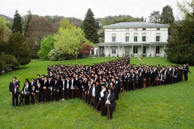 Les participants, pour être homologués, devaient porter une... (Photo Richard Juilliart, Agence France-Presse)