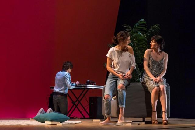 Karine Gonthier-Hyndman et Sophie Cadieux font partie de... (Photo Nicolas Descoteaux, fournie par la production)