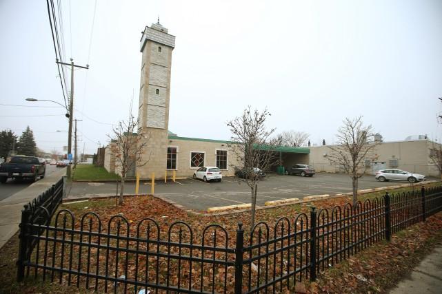 Nous détruisons nos églises mais permettons aux mosquées... (La Presse)