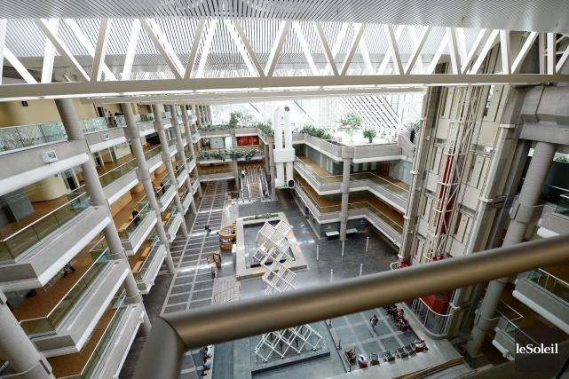 L'atrium du palais de justice de Québec.... (Photothèque Le Soleil, Erick Labbé)