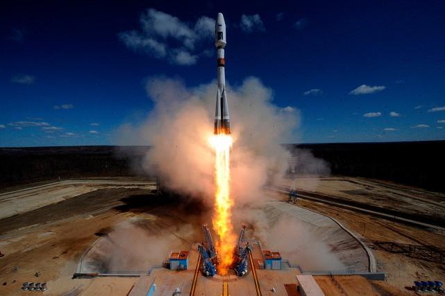 «Aujourd'hui, nous avons dans l'espace environ 5000objets mesurant... (KIRILL KUDRYAVTSEV, ARCHIVES AFP)