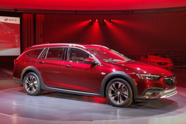 General Motors tient absolument à présenter la Buick... (Photos : Buick)