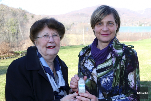 La mairesse de Bromont, Pauline Quinlan, et Anne... (Janick Marois, La Voix de l'Est)