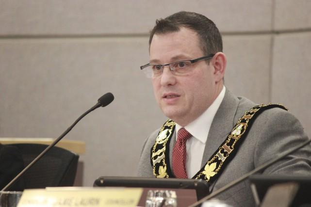 Le maire de Russell, Pierre Leroux... (Martin Brunette, Le Droit)