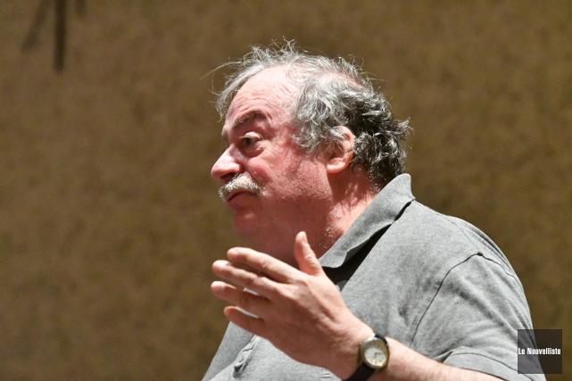 Mario Alain, un résident du secteur Saint-Louis-de-France affecté... (Stéphane Lessard, Le Nouvelliste)