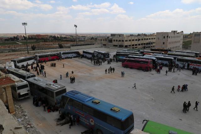 Par crainte d'un nouvel attentat, l'opération se déroulait... (Photo Ammar Abdullah, REUTERS)