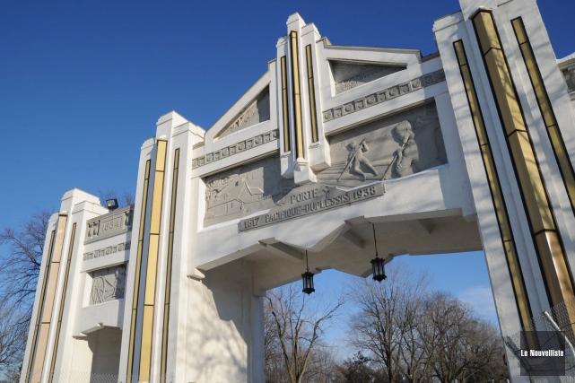 La porte Pacifique-Duplessis fait partie de lavingtaine d'immeubles... (Sylvain Mayer, Le Nouvelliste)