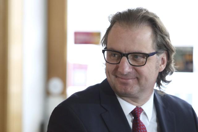 Le député Alexandre Iracà est bien heureux de... (Patrick Woodbury, Archives Le Droit)
