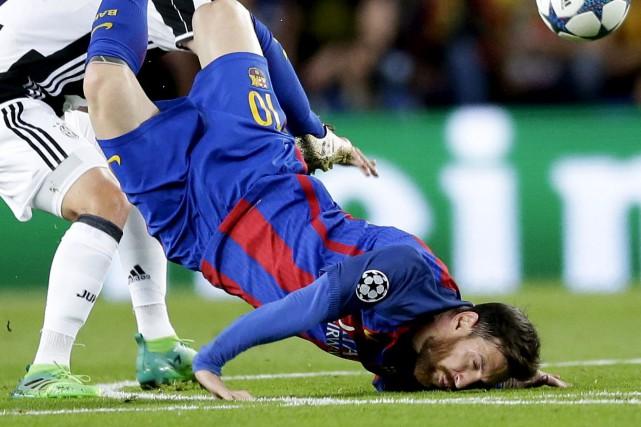 La Juventus a neutralisé Lionel Messi sur son... (AP, Manu Fernandez)