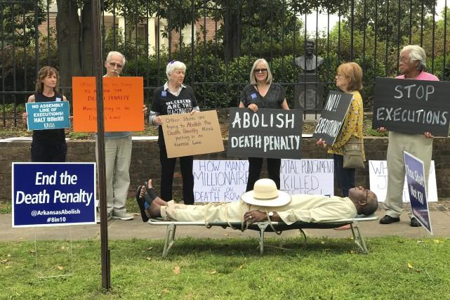 L'Arkansas compte mettre à mort huit condamnés entre... (AP)