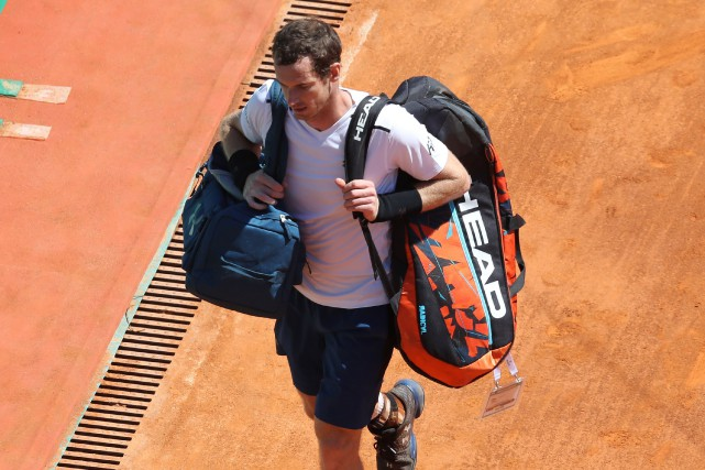 Le numéro 1 mondial Andy Murray quitte le... (Photo Valery Hache, AFP)