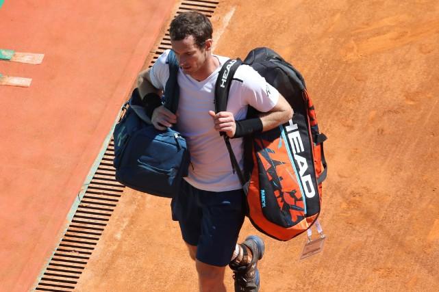 Le numéro 1 mondial Andy Murray quitte le... (Photo Valery Hache, AFP)