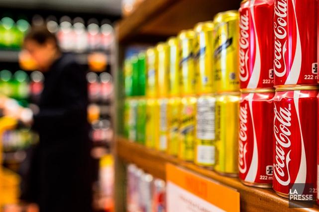 Les consommateurs réguliers de boissons gazeuses diètes seraient... (SIMON GIROUX, ARCHIVES LA PRESSE)