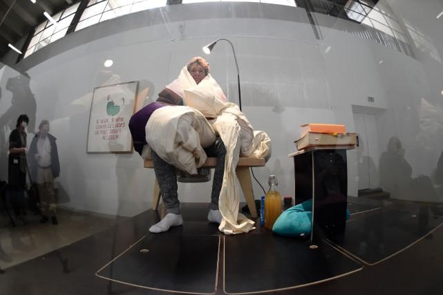 Pour ce «premier travail avec du vivant», l'artiste... (PHOTO STÉPHANE DE SAKUTIN, ARCHIVES AGENCE FRANCE-PRESSE)