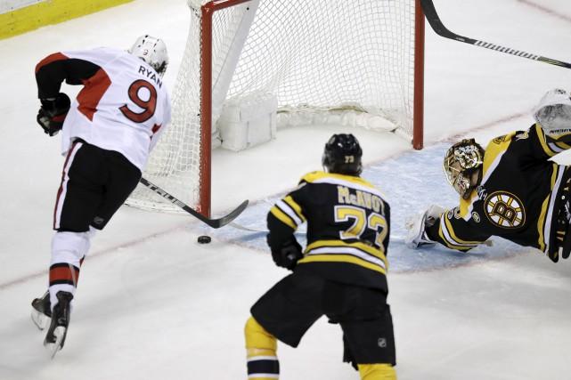 Bobby Ryan a complété la stratégie d'Erik Karlsson... (Associated Press)