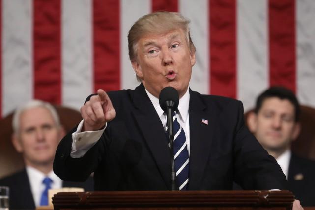 Donald Trumps'est plaint des échanges commerciaux avec le... (Photo Jim Lo Scalzo, Archives AP)