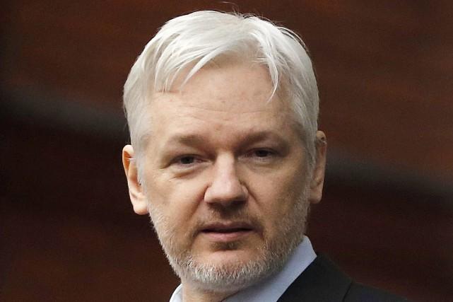 Le fondateur de WikiLeaks Julian Assange... (AP, Frank Augstein)