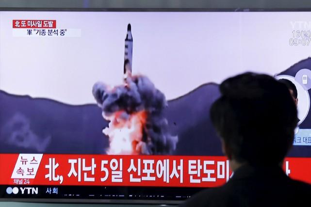 Des images diffusées dimanche, lors du dernier tir... (AP, Ahn Young-joon)