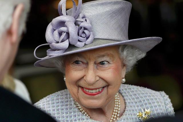 La reine ÉlisabethIIva célébrer l'événement dans la plus... (Photo Peter Nicholls, ASSOCIATED PRESS)