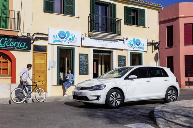 La Volkswagen e-Golf... (Photo fournie par Volkswagen)