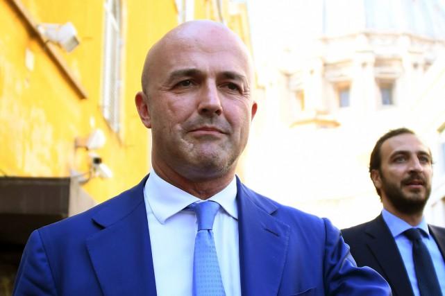 Le journaliste d'investigation italien Gianluigi Nuzzi... (PHOTO ARCHIVES AFP)