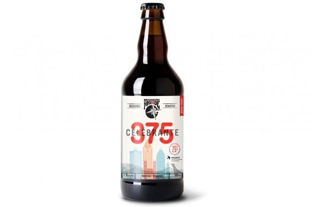 La Célébrante - 375e, une bière blonde avec... (Photo fournie par les Brasseurs du Monde)