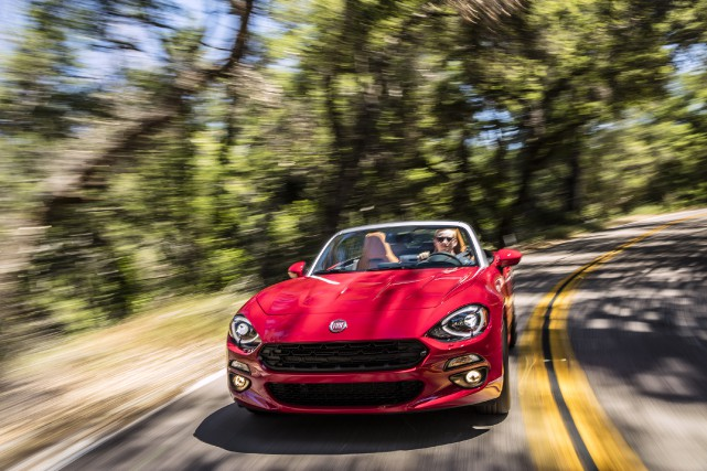 La Fiat 124 Spider est assemblée par Mazda... (Photo : Fiat-Chrysler)