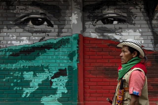 Six indigènes ont été assassinés en Colombie au... (Photo LUIS ROBAYO, AFP)