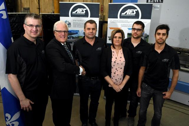 Martin Morel, directeur général d'AFS, le député de... (Photo Le Progrès, Rocket Lavoie)