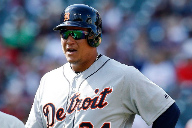 Miguel Cabrera s'est blessé en plongeant pour capter un... (Photo Ron Schwane, ASSOCIATED PRESS)
