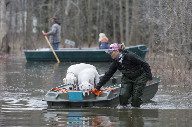 L'état d'urgence a été décrété jeudi à Rigaud,... (La Presse canadienne, Graham Hugues)