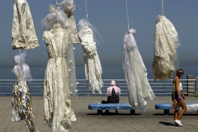 L'artiste libanaise Mireille Honein explique avoir «utilisé du... (AFP, Patrick Baz)